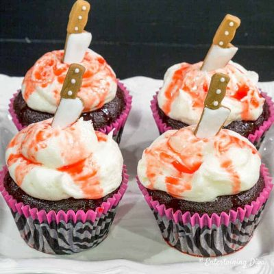 bloody knife Halloween cupcakes