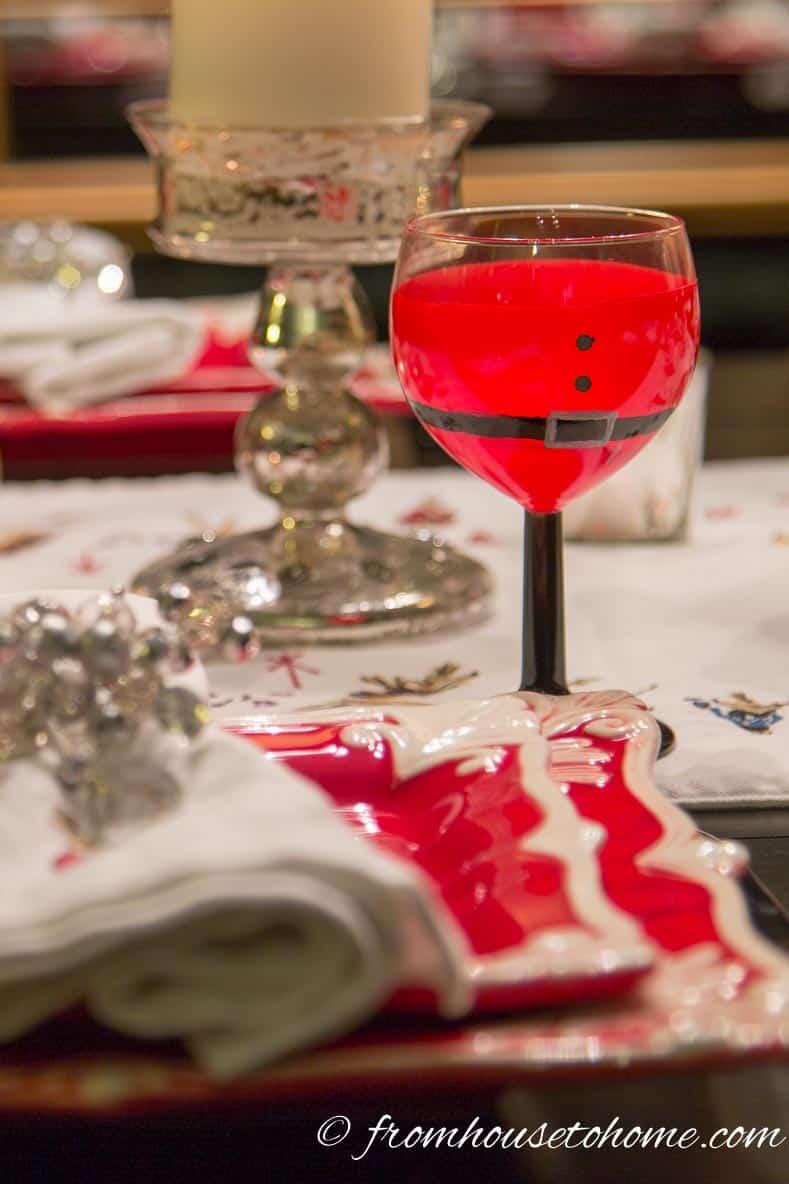 Santa glasses with Christmas table setting | DIY Santa Wine Glasses