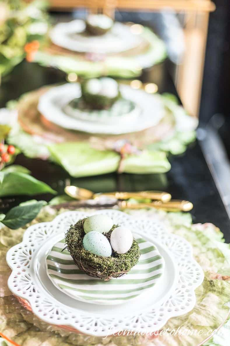 Green and white accent plates